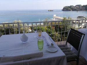 Italia, ristorante sul mare