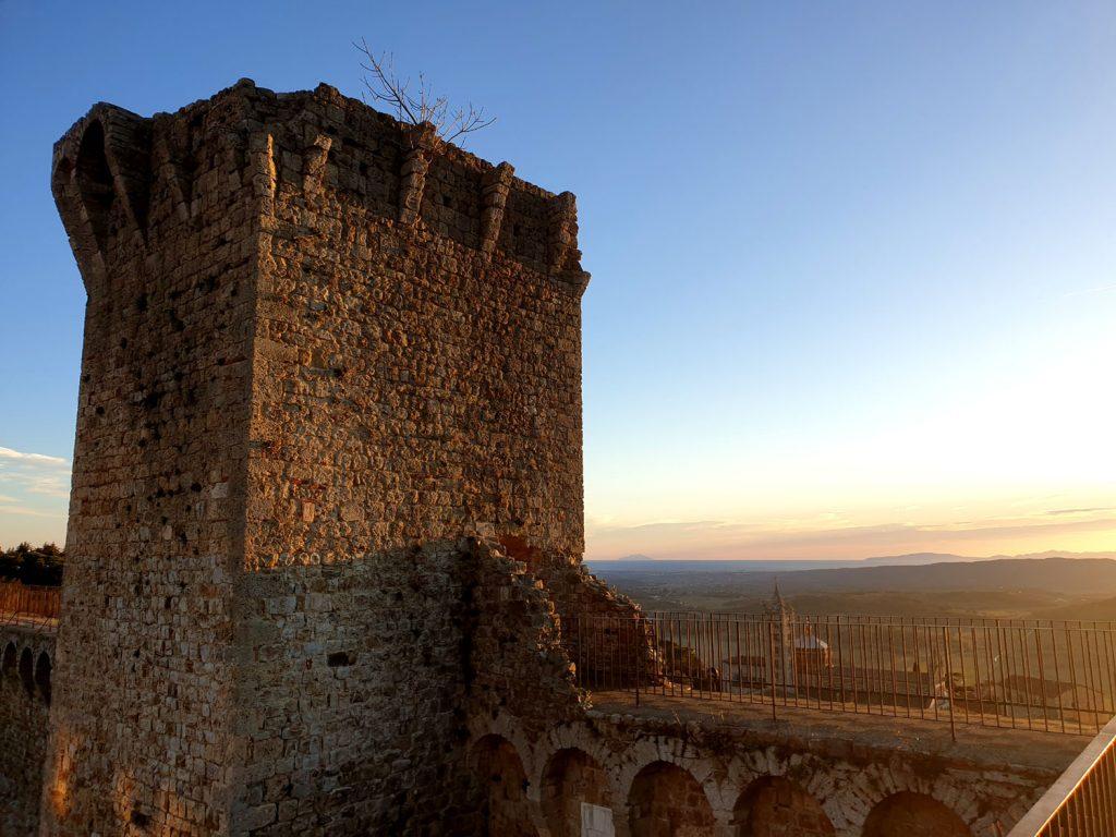 Torre del candeliere. Cassero senese